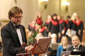 houslista V. Mazáček